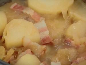 たまドレで!カンタン煮物。じゃがいもとベーコンのたまドレ煮