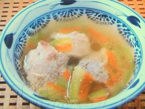 すいかの皮とスペアリブのスープ