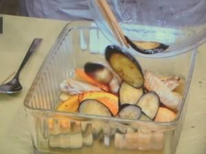 鶏肉と野菜の甘酢漬け