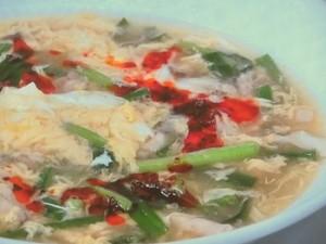 豚肉ときのこの酸辣湯風スープ