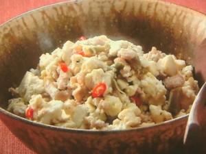 豆腐とひき肉のザーサイ炒め