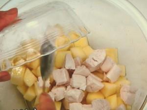 りんごとささ身のサラダ