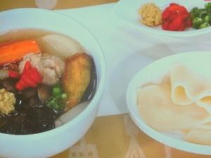 肉だんごの5色野菜スープ
