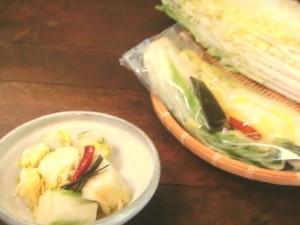 ポリ袋で白菜漬け