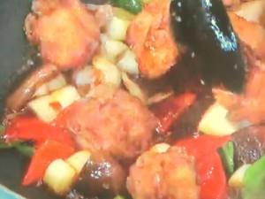 鶏のから揚げピリ辛炒め
