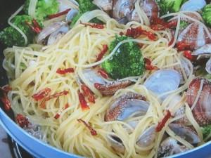 アサリとブロッコリーの煮込みスパゲティ