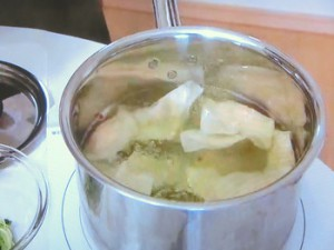 枝豆入り冷やしワンタン・つけポン酢添え
