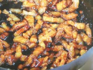 豆腐入り焼餅の豚肉黒糖炒めサンド