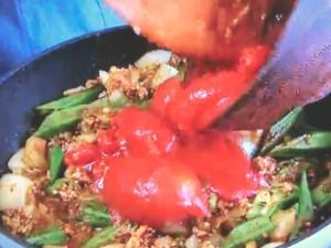 もこみち流 鶏ひき肉とオクラのトマトカレー