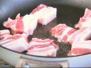 もこみち流 ちくわと豚肉とキャベツのみそ炒め