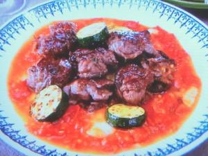 薄切り肉団子のフレッシュトマトソース