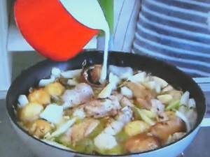 もこみち流 骨付き鶏もも肉のココナツミルク煮