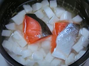 塩ざけと長芋の炊き込みご飯