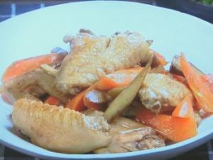 鶏手羽中とごぼうの煮もの
