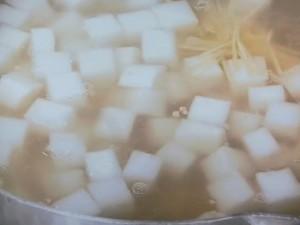 大根、ひき肉、干し貝柱のスープ