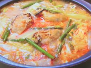 カキの酸辣湯(サンラータン)鍋