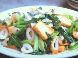 小松菜、ちくわ、厚揚げの塩炒め