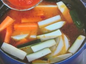 鶏とソーセージのスパイス鍋