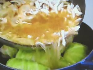 もこみち流 ロールキャベツのオニオングラタンスープ