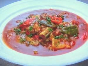 もこみち流 鶏肉と彩り野菜のトマト煮込み