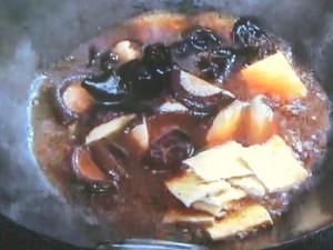 干し椎茸と油揚げの煮込み