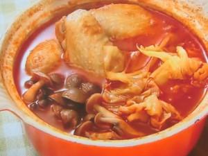手羽先のトマトチーズ鍋