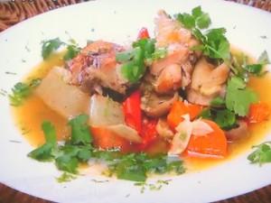 もこみち流 鶏肉と大根のエスニック風スープ