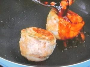 絶品!豚しそロールステーキの梅照りソース