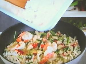 もこみち流 タイ風エビと鶏ひき肉の炒めごはん