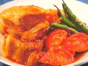 トマトと豚バラのとろとろ角煮