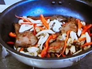 もこみち流 牛肉の黒こしょうオイスター炒め飯