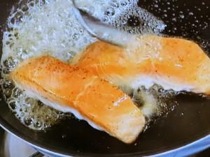 鮭のソテー梅干しバターソース
