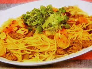 サルシッチャと舞茸のペペロンチーノ