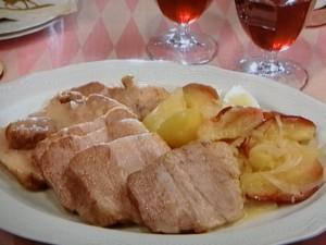 豚肉、じゃが芋、りんごのポットロースト