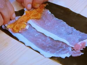 豚肉とあんずの昆布巻き