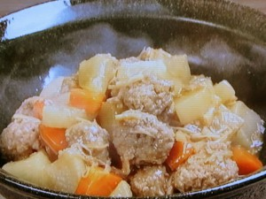 肉だんごと大根の干し貝柱煮
