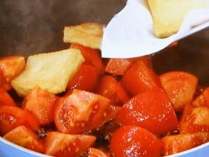 手づくり厚揚げとトマトの炒め物