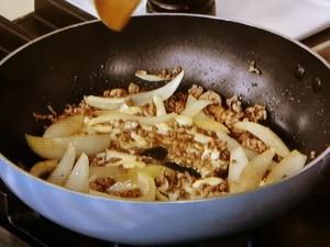 ひき肉チーズのつゆだくキャベツ丼