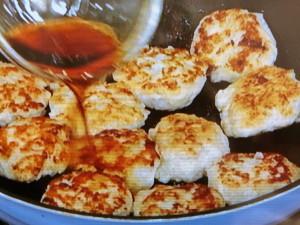 鶏胸肉と新玉ねぎのジューシーつくね照焼き