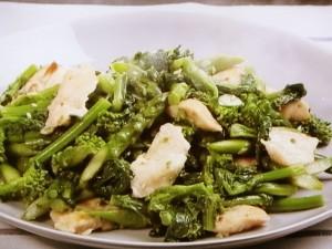 菜の花と鶏肉のアンチョビー炒め