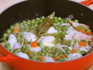 鶏むね肉とグリーンピースのスープ煮