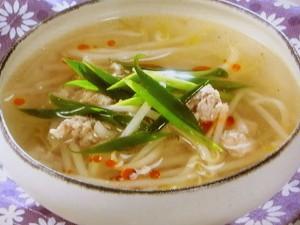 もやしとひき肉のスープ