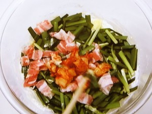 にらと豚肉、キムチのチヂミ