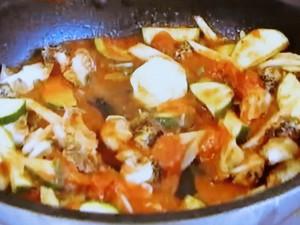 もこみち流 つぶ貝とホワイトアスパラガスのトマトパスタ