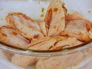 鶏手羽のオイスターソース炒め