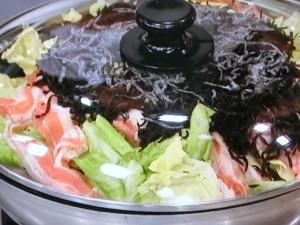 豚肉、キャベツ、ひじきの鍋蒸し
