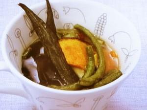 野菜チップスのみそ汁