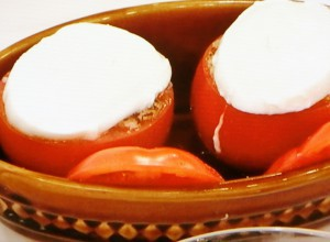 そばの実のトマトファルシ
