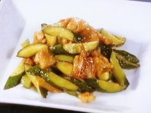 きゅうりと豚肉の甘酢炒め