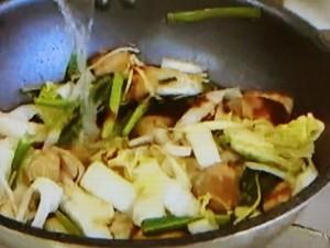 もこみち流 かた焼きそばと豚肉と野菜のオイスターソース炒め
